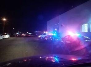 Muere hombre en balacera, una mujer resultó herida.